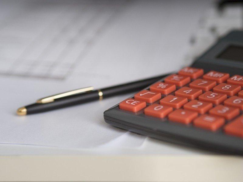 business-calculator-calculation-insurance-finance-2 (1)
